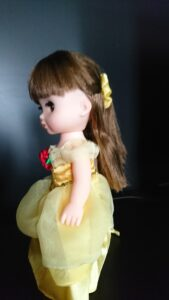 ソラン ベルのドレス 横向き