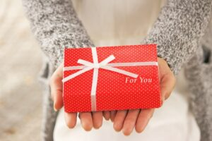 好きな人に義理チョコを渡したい!片思いや本命への渡し方のコツとは?