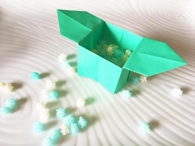 お月見の箱の折り紙♪節分の豆入れ箱やひな祭りの飾りにも【三方の折り方】