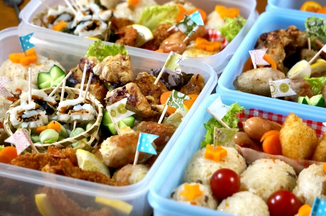 ピクニックのお弁当のおかずで定番は?主食やメインおかずや野菜で人気なものは?