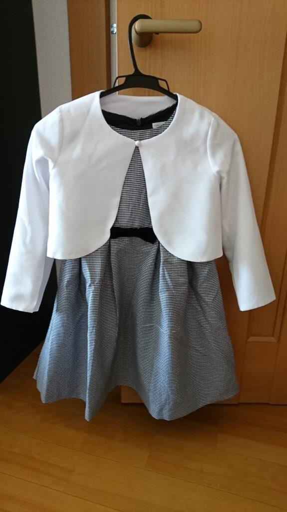 入学式で女の子のワンピースのコーデ ボレロを組み合わせた例