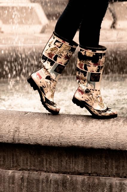 雨の日デートの足元対策!靴はレインブーツ?それ以外で濡れないものやおすすめは?