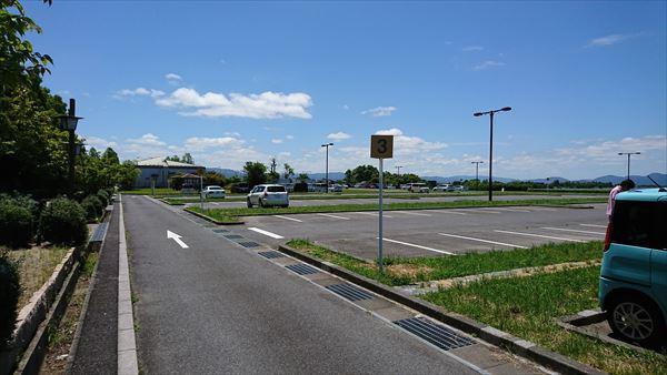 琵琶湖博物館の駐車場後ろの方