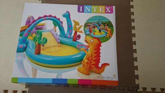 インテックスプールの滑り台付きは子供が喜ぶ!恐竜のプレイセンタープール口コミや評判