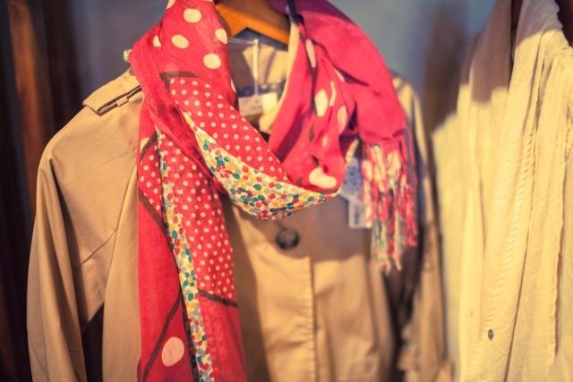 トレンチコートは冬だとおかしい?寒さを防ぎ真冬も着れるレディースコーデのポイントは?