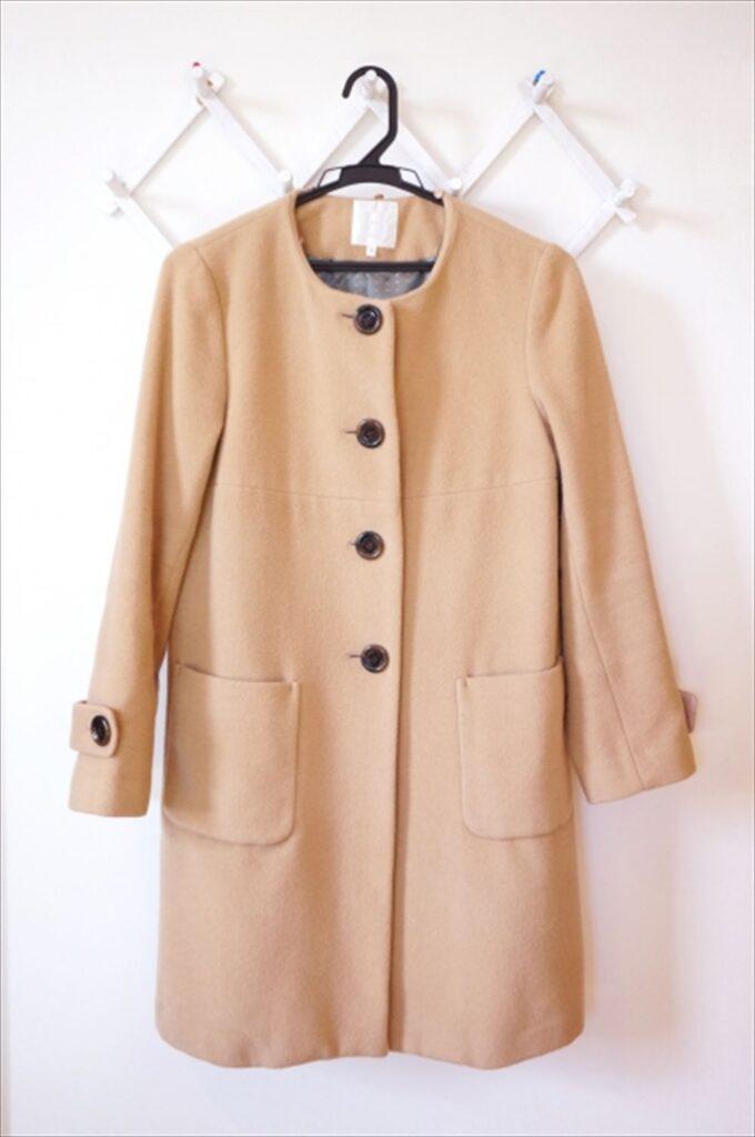 ベージュのコートを秋に着るには?ピンクベージュやライトベージュなら?