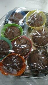 チョコマフィンでしっとり濃厚レシピ ラップをかけて保存する