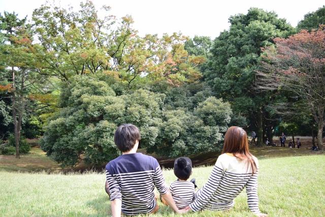 子連れピクニックの必須持ち物!家族で公園へいくときの便利グッズは?