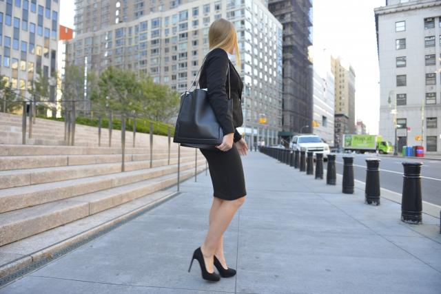 パンプス黒色仕事用で痛くなくて歩きやすいブランドは?安いものなら?