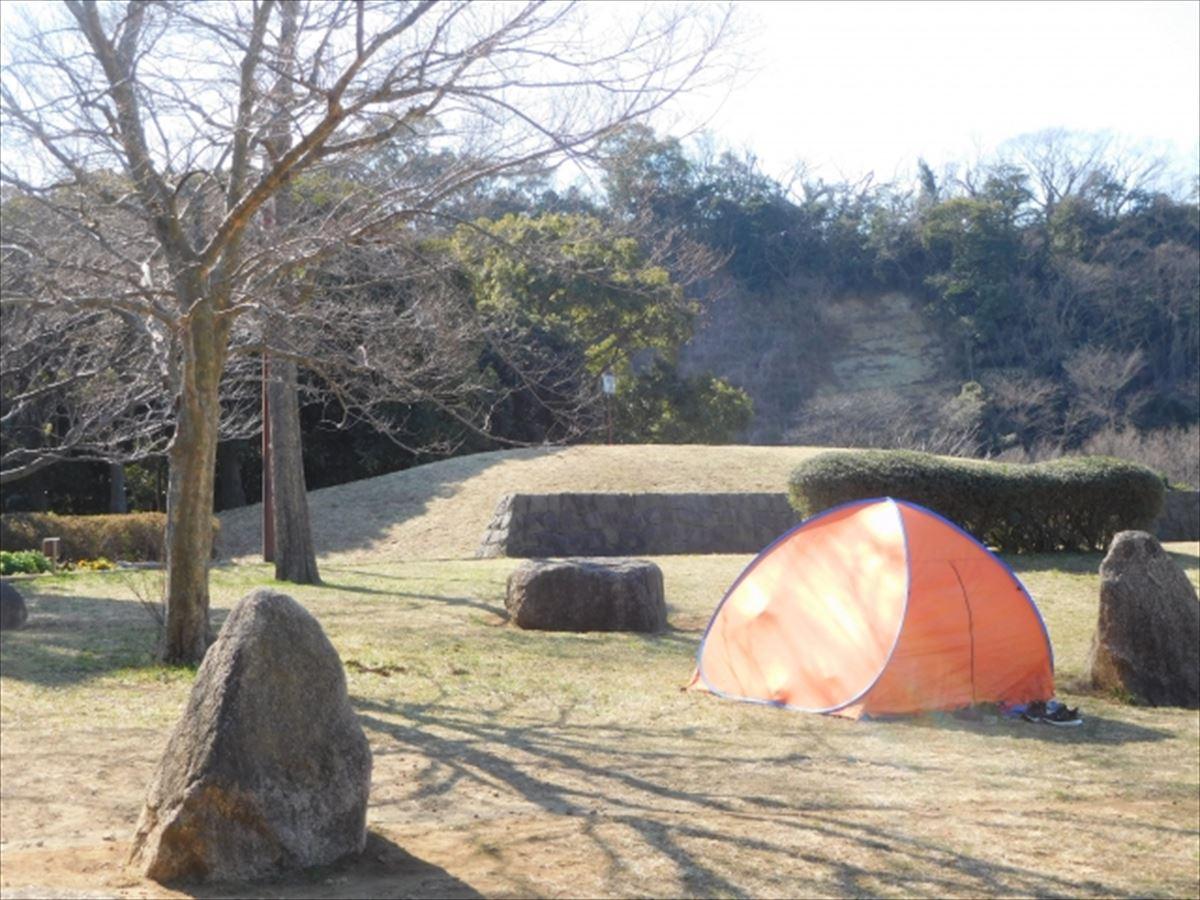 ポップアップテントは宿泊できる?テントとの違いは?高機能のおすすめや手持ちを工夫するポイントは?
